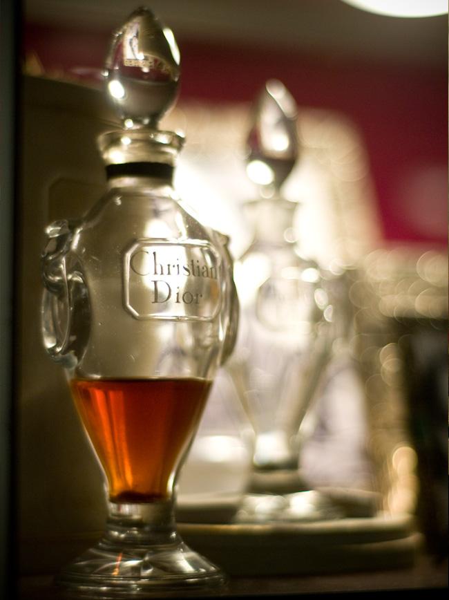 GGB2011_04APR_Shops_LindaB_Perfume_02