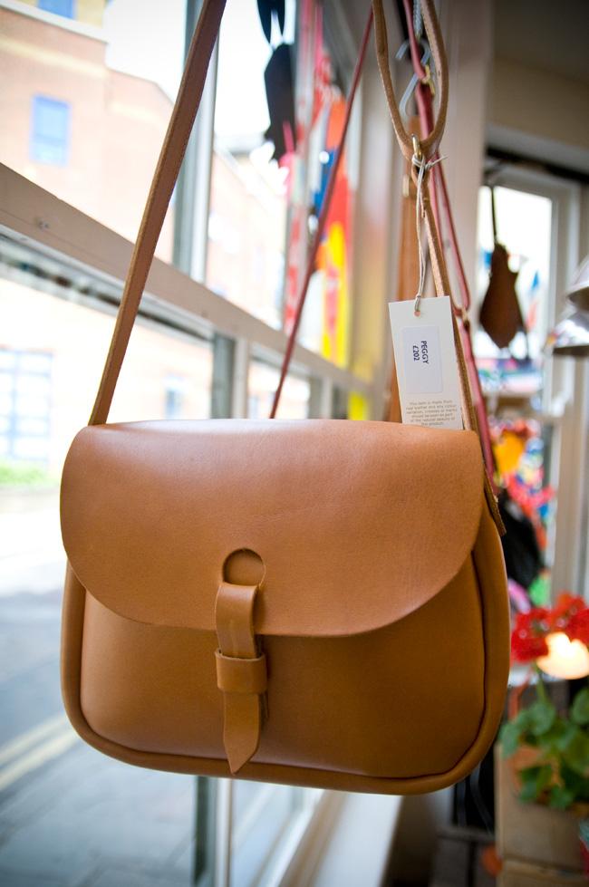 GGB2011_04JUNE_Fashion_MimiBags_04